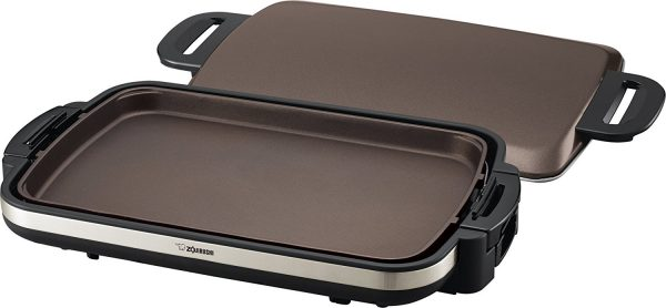 6. Zojirushi EA-DCC10 Gourmet Sizzler Electric Griddle