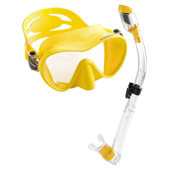 1. Cressi Scuba Diving Snorkeling Freediving Mask Snorkel Set