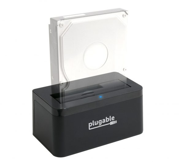 7. Plugable USB 3.1 Gen 2 10Gbps SATA Upright Hard Drive Dock and SSD Dock