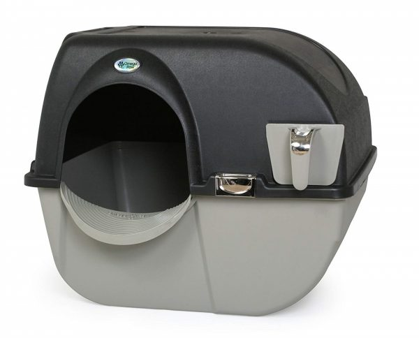 10. Omega Paw Elite Self Cleaning Roll 'n Clean Litter Box, Midnight Black, Large